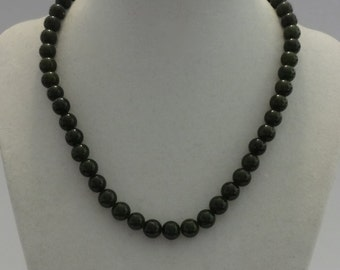 Vintage Hunter Green Round Beads Necklace