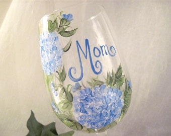 Free shipping Blue hydrangea personalized wine glass for mom sister aunt friend cousin bridesmaid grandma sister in law niece etc