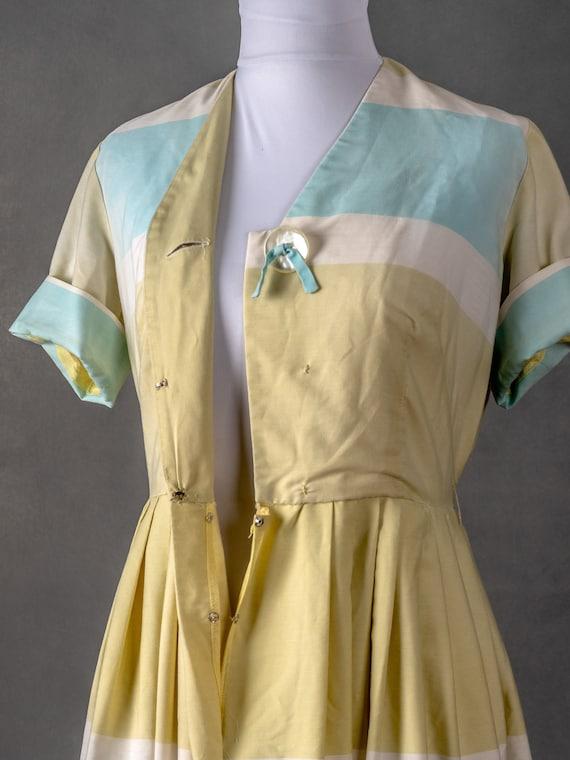 1950s Vintage Day Dress - image 4