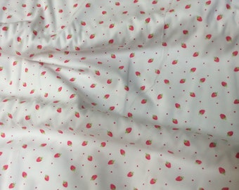 Fabric Remanent / Small Print / Strawberry Print / Smocking Fabric / Dress Fabric / 100% Cotton / Pique / Fabric Finders / 468
