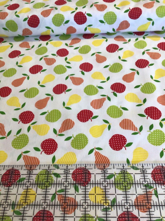 """Fabric / Apple and Pear Print / Pique / Aprons / Table Cloth/ Dress Fabric / Quilt Fabric / Mask Fabric / 100% Cotton / 60""""  / FF 672 /"""