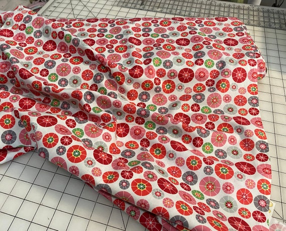 Print Fabric / Rainy Days And Mondays / Umbrellas / Sewing Fabric / Quilting Fabric / by Riley Blake / C4014
