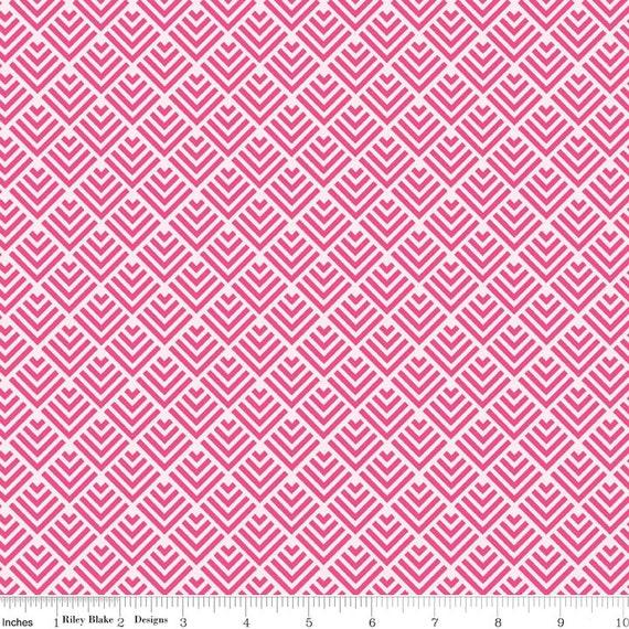 Pink Fabric / Fish Tail Print / Dress Fabric / Quilt Fabric / Riley Blake Fabric / C3624