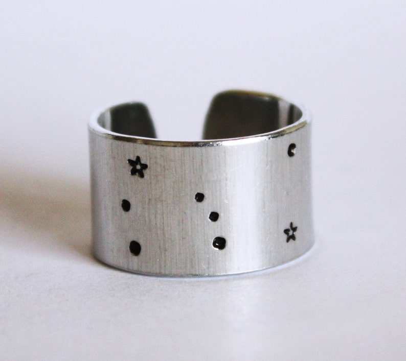 Orion Constellation Ring. Orion constellation jewelry. Wide image 0