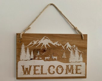 Wall Plaque, Deer Mountain Scene Name or Message Sign, Wood Grain Background, Laser engraved on recycled pallet wood, personalized for you.
