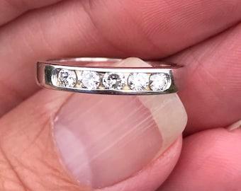 30 points round brilliant diamond wedding band stacker band engagment ring 18kt  white gold Diamonds