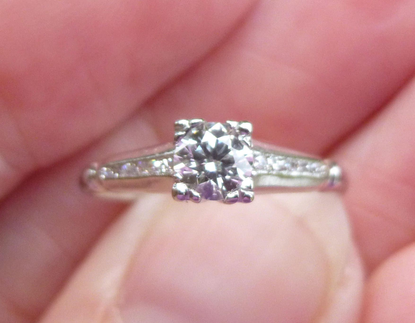 Beautiful 33 points of VS2 F color Diamonds engagment ring