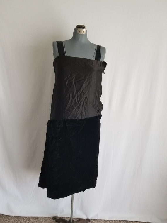 Antique 1920's Black Silk Velvet Underdress/Slip - image 4