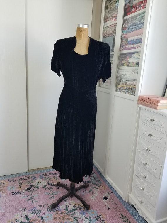 Vintage 1940's Black Velvet Dress L/XL Slightly AS