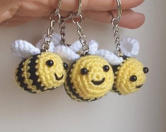Bumblebee keyring / Bee keychain / Crochet bumblebee / Summer Bumblebee / Easter Bumble bee