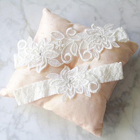 Wedding Garter Set ,Ivory Beaded Flower Lace Wedding Garter,Ivory Lace Garter ,White Wedding Garter, Bridal Wedding Garter-1826