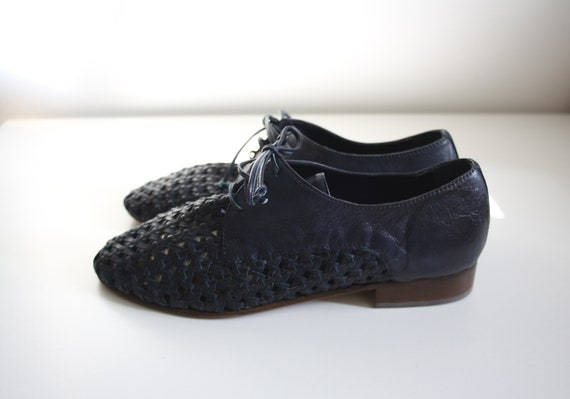 French vintage shoes /  Woven Leather Oxfords. Siz