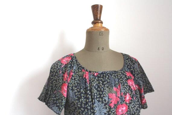 Vintage floral dress // Botanical print // 80s dre