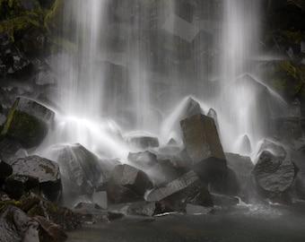 Waterfall, Iceland, Svartifoss, Landscape Photography, Nature Photography, Volcanic Rock Formations, Basalt Columns, Hexagons