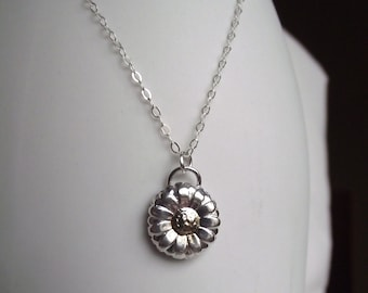 Beautiful Handmade Daisy Fine Silver 999 & 24ct Gold Floral Pendant with Sterling Silver Chain