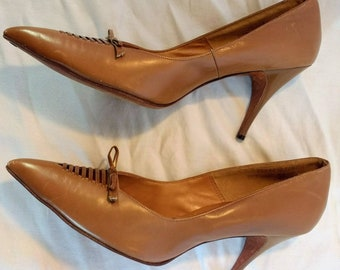 c0953347686 Original vintage 60s high heel shoes