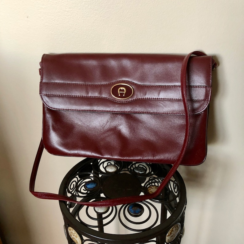 638b2a98c2d6 Vintage Etienne Aigner Burgundy Leather Shoulder Bag Purse