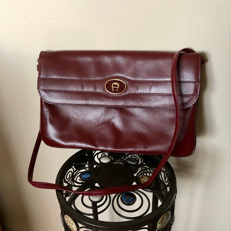 Vintage Etienne Aigner Burgundy Leather Shoulder Bag Purse  a8296a021c96e