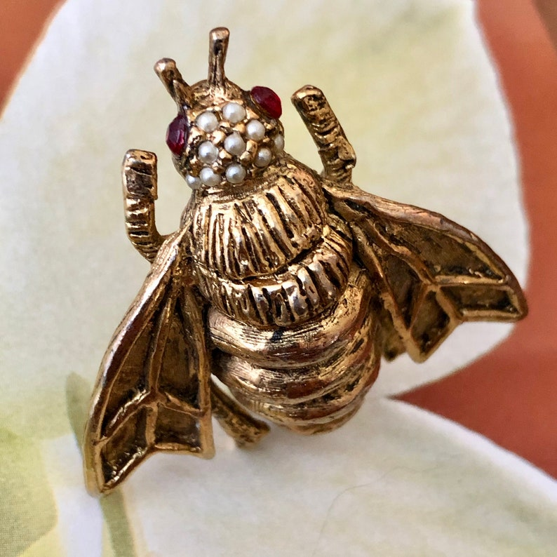 Vintage Bee Pin Large Size Gold Tone with Tiny Pearls Rhinestone Eyes Big Bug Brooch Figural Fly or Insect Brooch