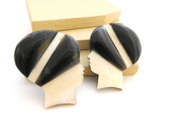 Vintage Philippines White Mother Of Pearl Flapper Woman Black Hat Earrings II1