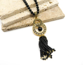 AVON Black Beaded Station Necklace Item K # 2535