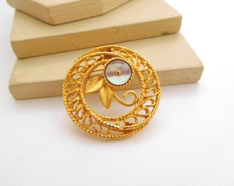 Vintage Gold Tone Filigree Mother Of Pearl Flower Circle Brooch Pin J13