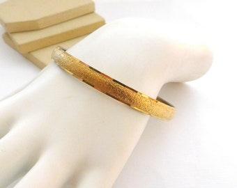 Retro Vintage Signed Monet Yellow Gold Tone Mod Bangle Bracelet P36