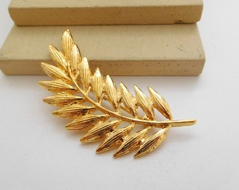 Retro Vintage Signed AAi Yellow Gold Tone Wheat Leaf Brooch Pin E22