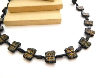 Vintage Black Gold Lacquer Glass Butterfly Bead Choker Necklace G42