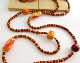 Vintage India Long Earth Tone Red Brown Tan Orange Wood Bead Boho Tribal Necklace GG6