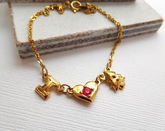 Vintage Avon Gold Tone I Love Christmas With Tree Red Rhinestone Bracelet N2