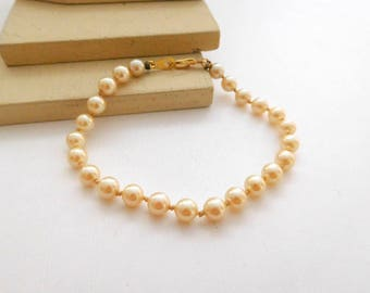 "Vintage Knotted Cream Glass Pearl Bead 7.5"" Bracelet O38"