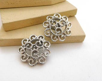 Vintage Sarah Coventry Silvery Mist Open Swirl Dome Clip On Earrings I50