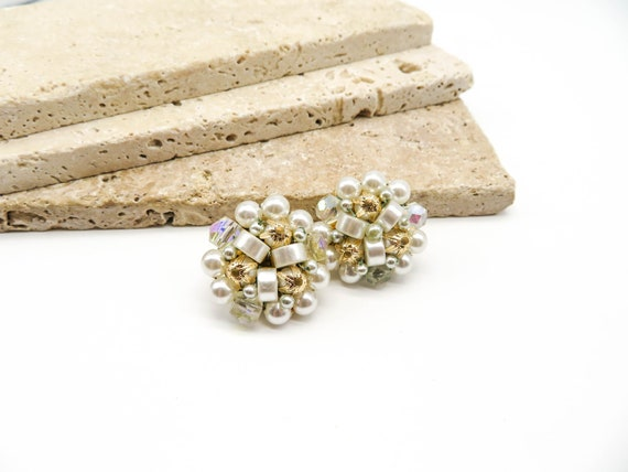 Vintage Japan White Lucite Gold Aluminum Crystal Bead Cluster Clip Earrings WW53