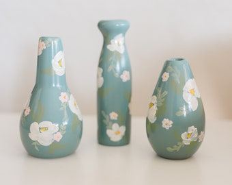 Spring Collection: Set of 3 Bud Vases White flowers on Teal