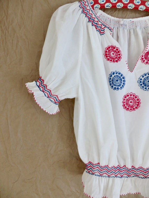 Vintage 60s Hungarian Embroidered Blouse/60s Peas… - image 9