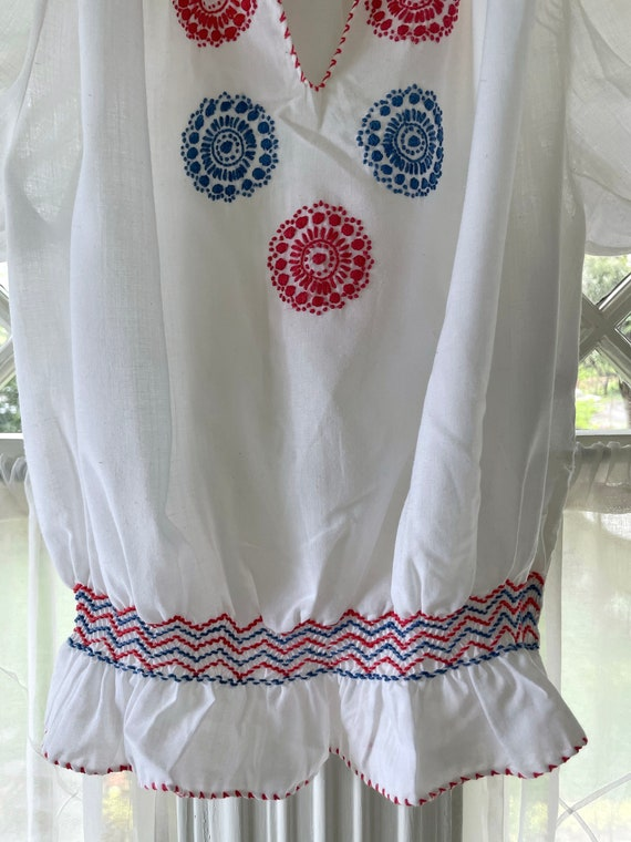 Vintage 60s Hungarian Embroidered Blouse/60s Peas… - image 4