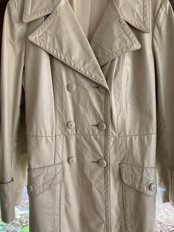 70s Vintage leather trench coat/Double breasted l… - image 5