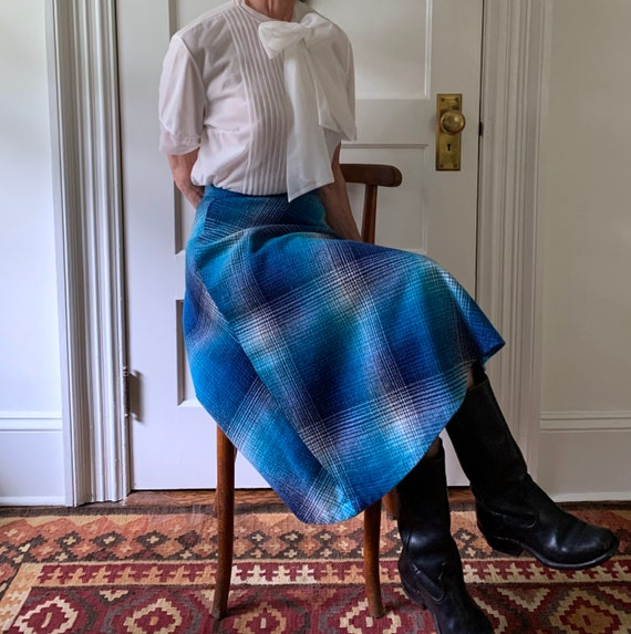 70s Blue Ombre Plaid Wool Skirt/70s Plaid Wool Mid