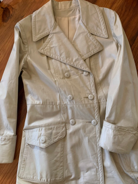 70s Vintage leather trench coat/Double breasted l… - image 8