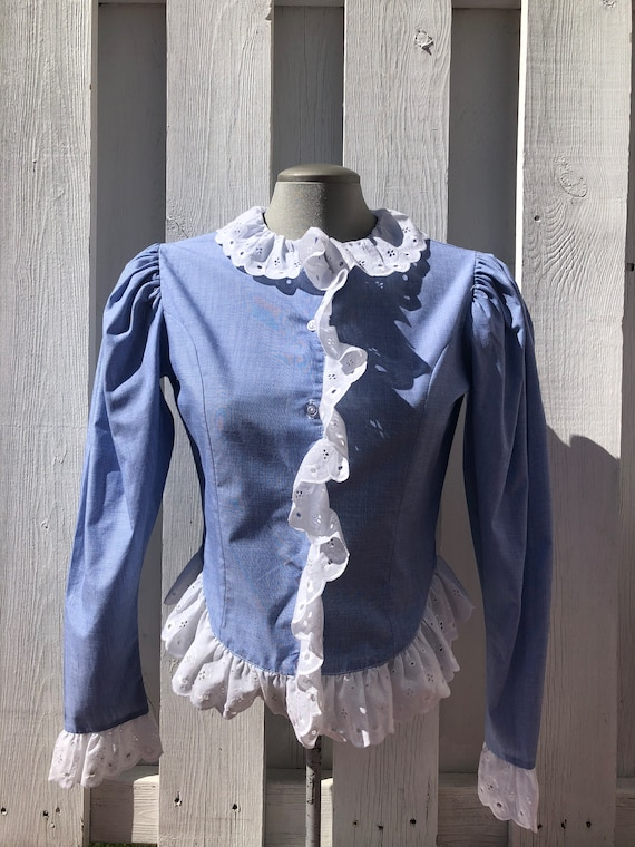 vintage eyelet lace chambray 70s blouse, lace coll