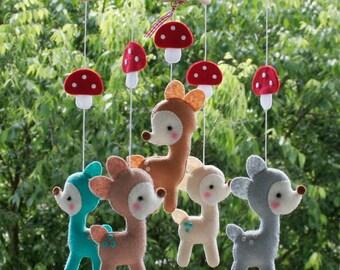 Babyfilzschuhe Mobile, Filz Mobile, Bambi Mobile, süße Baby-Mobile, Babybett Mobile, Baby-Mobile, Kinderzimmer Mobile, Deer, Süße Babybett