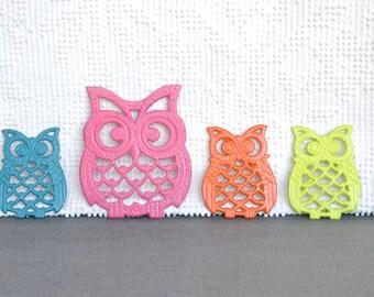 You choose CUSTOM COLORS Upcycled Vintage Metal Owl trivets set of 4... Teenage bedroom Nursery Playroom Decor