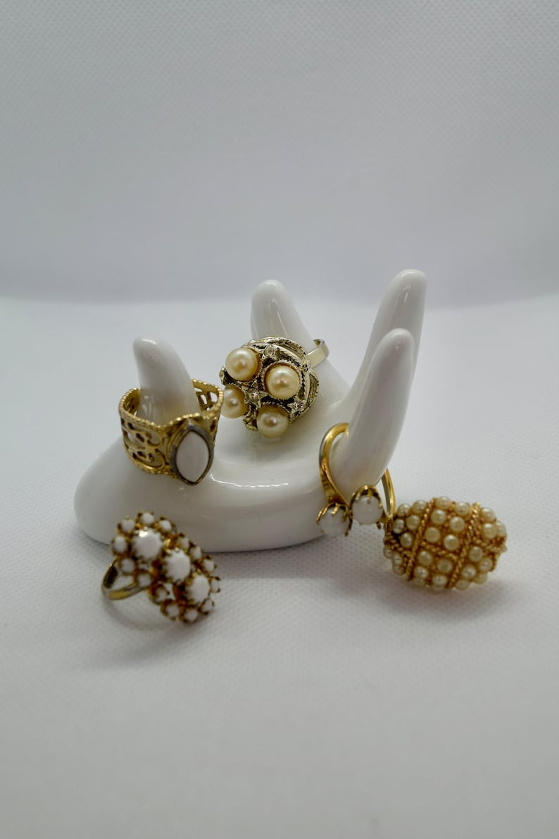 adjustable rings, costume jewelry rings set of five rings statement ring Vintage gold and white rings