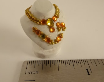 Dolls House Miniature Shop Bedroom Accessory Jewellery Necklace Display Bust Crm