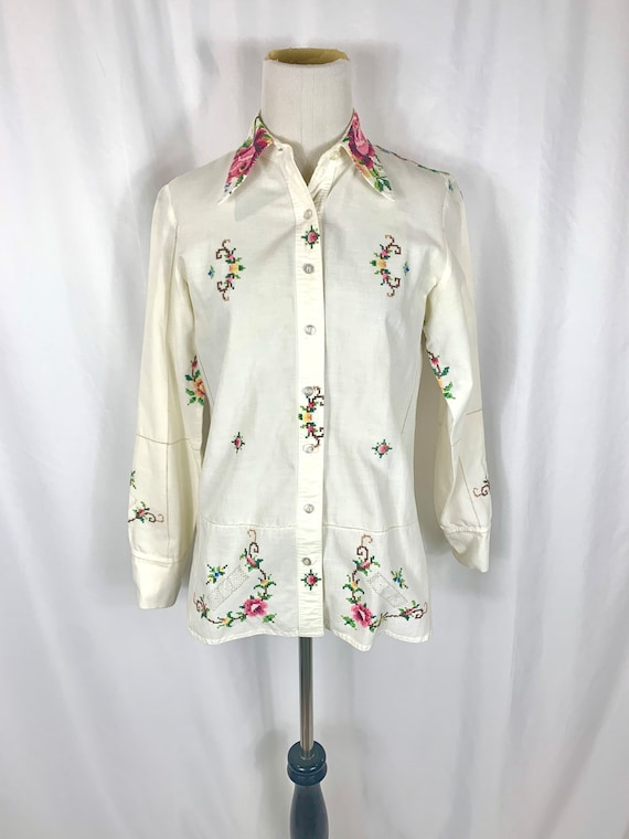 Vintage Floral Embroidered Button up Blouse
