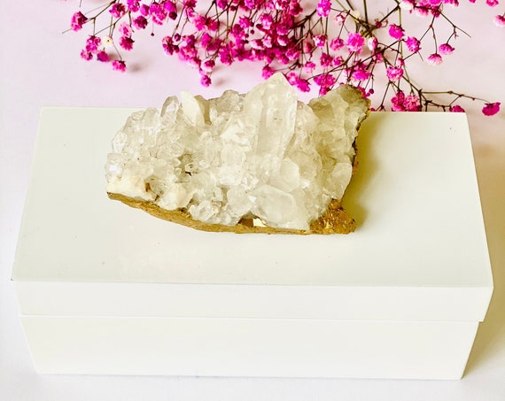 Medium white lacquer box with Quartz crystal, gemstone box, crystal box, jewelry box, Ring Box, Trinket Box, gift for mom, gift box