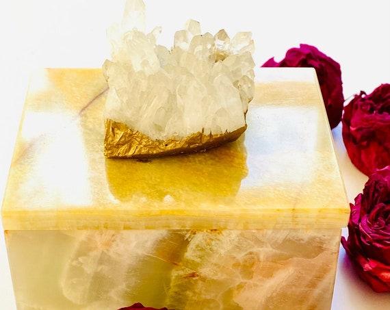 Small Onyx Box with Himalayan Crystal, Gemstone box, Crystal box, Ring box, Stash box, Stone box