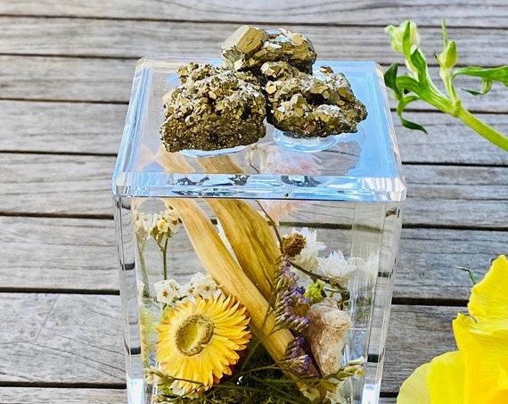 Acrylic Box with pyrite and sage bundles, crystal box, Sage bundle, Clear Box, palo santo bundle, wellness gift set box, Crystal gift set