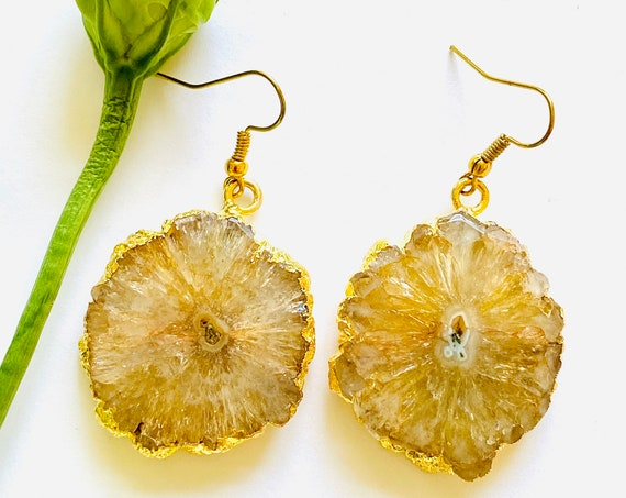 Crystal earrings, solar quartz earrings, Natural quartz flower earrings, boho earrings, gemstone earrings, Quartz amber stone earrings